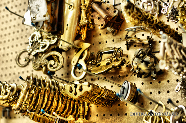 Divina Denuevo Antique Hardware