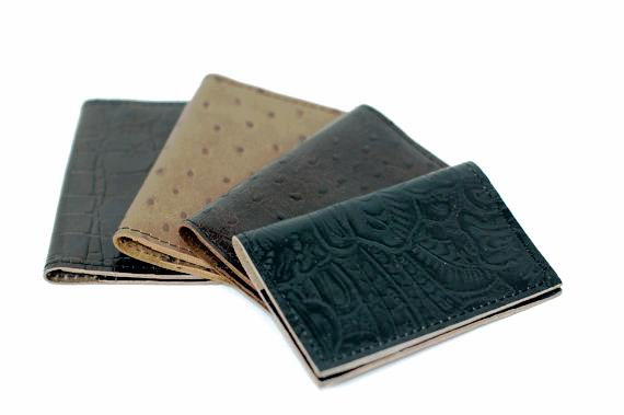 simple fold leather wallet  divina denuevo